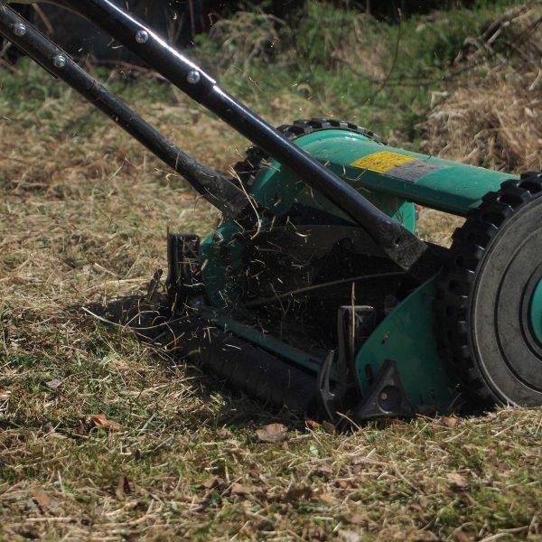 lawn-mower-2385925_1920